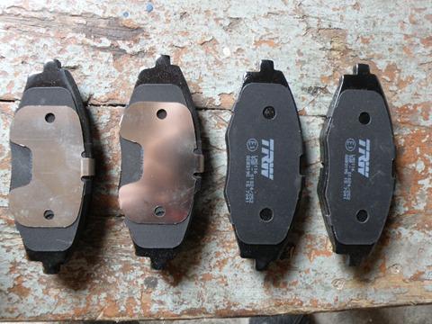 Колодки передние CHEVROLET LANOS, SPARK, DAEWOO MATIZ GDB3195