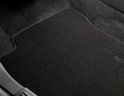 Комплект ковров вел. RE Satin Black Fi 01-, Fus 02-