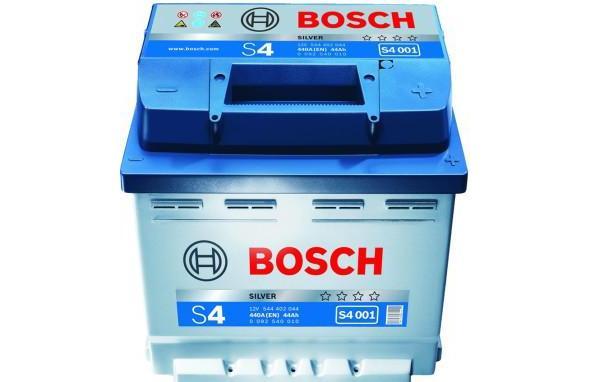 Аккумулятор BOSCH S4 SILVER 12V 44AH 440A ETN 0(R+) B13 207x175x175mm 11.29kg
