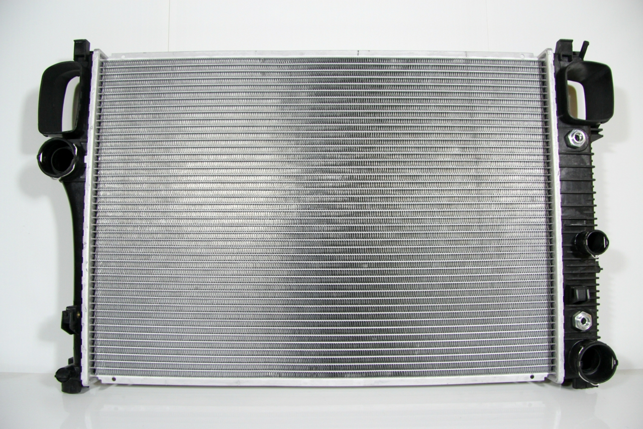 517107J Радиатор MERCEDES W221 4,3 5,0 A/M +/- 05-
