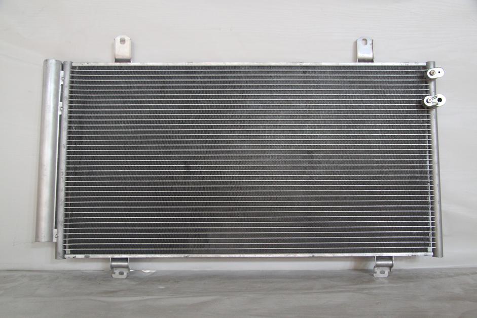 104050l Радиатор  кондиционера