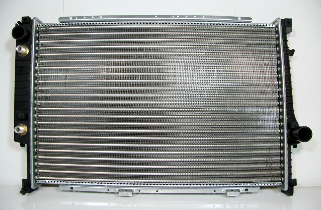 500748h Радиатор охлаждения