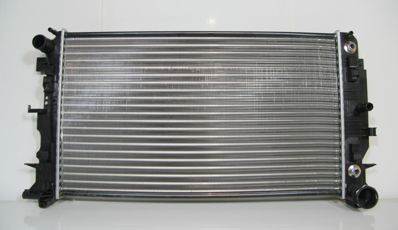 517157H Радиатор MERCEDES SPRINTER (06-) 209 CDI