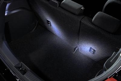 C830V1620D Подсветка багажника Mazda СХ-5