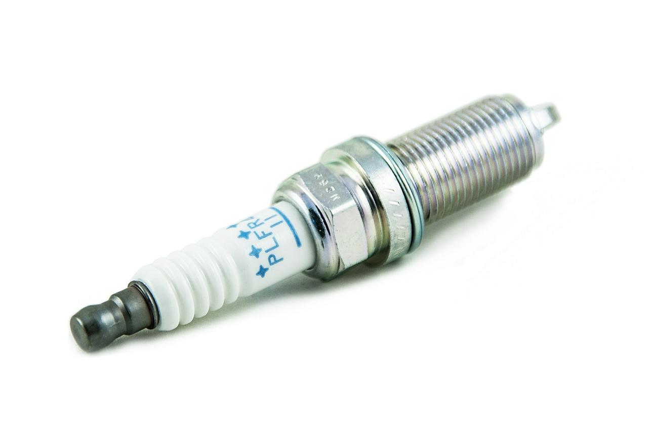 224015M016 Свеча T30/Z50 VQ35DE (платина)