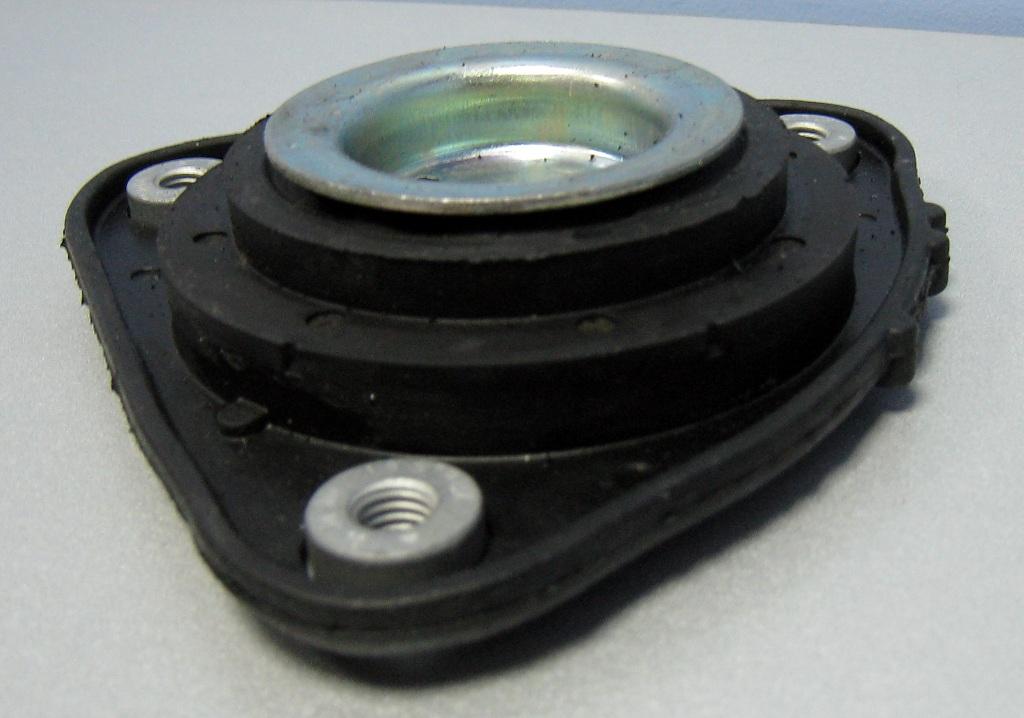 3400201 Опора амортизатора FORD FOCUS II/MAZDA 3 пер.