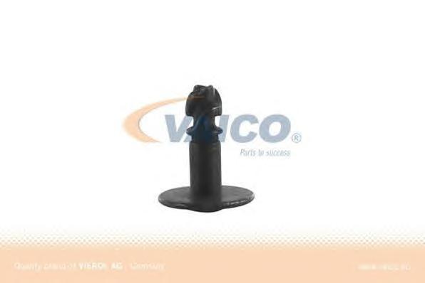 V102045 Винт крепления защиты двигателя