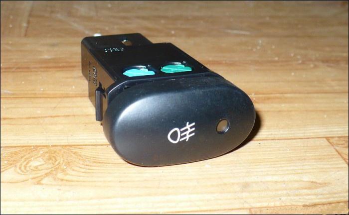 96168696 Кнопка DAEWOO NEXIA вкл.п/туман.фар