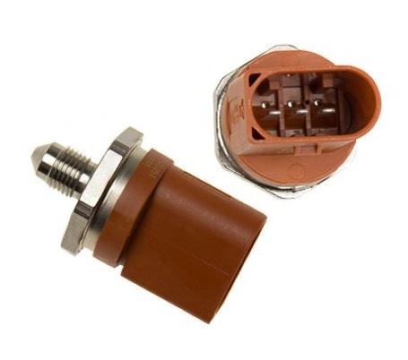 06J906051D Датчик давления топлива / VAG 1.8-2.0TSI 06~