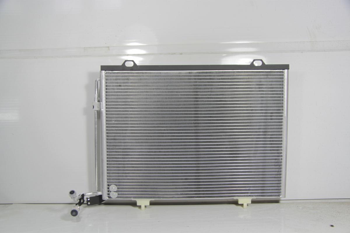 104282c Радиатор  кондиционера