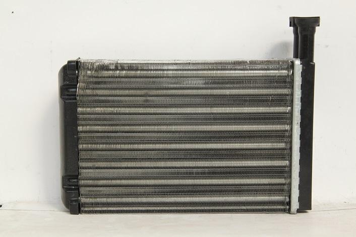 111745BA Радиатор печки FORD MONDEO I 93-96