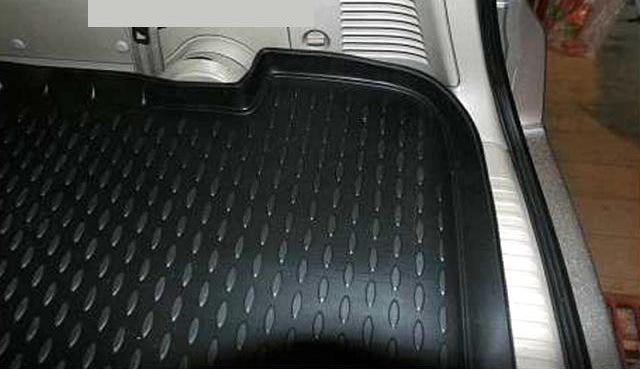 999TLC11SB Коврик в багажник NISSAN TIIDA SEDAN (полиуретан)