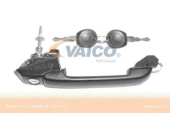 V106124 Ручка двери VW GOLF III пер.прав.с замком