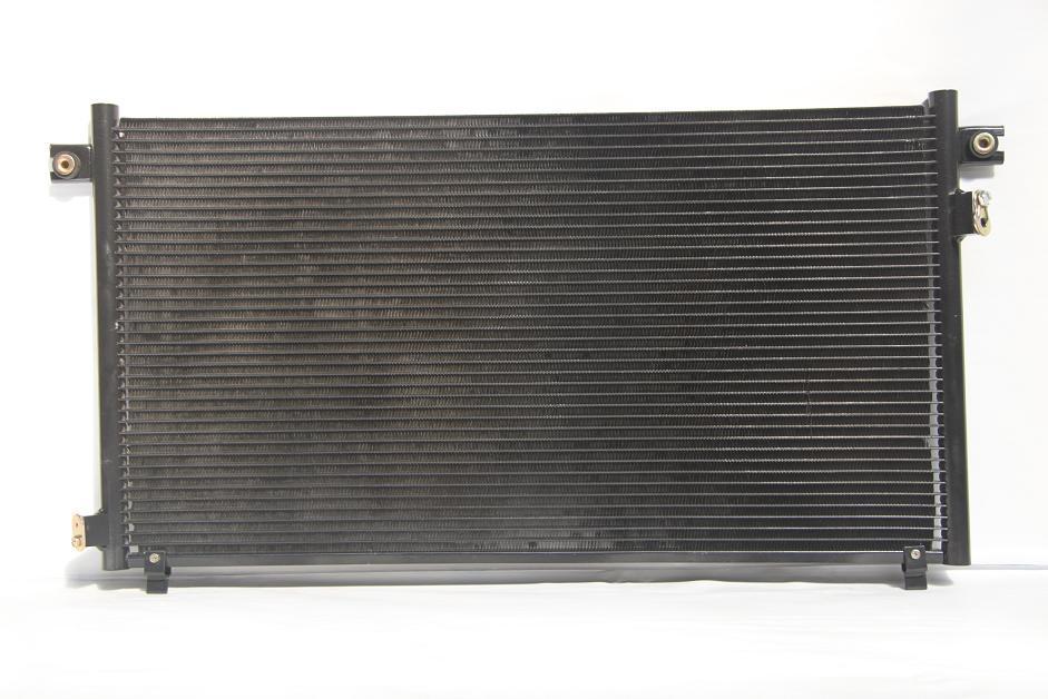 104878l Радиатор  кондиционера