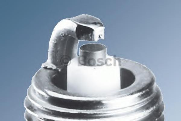 0242135515 Свеча зажигания YR7DC+ (1.0)