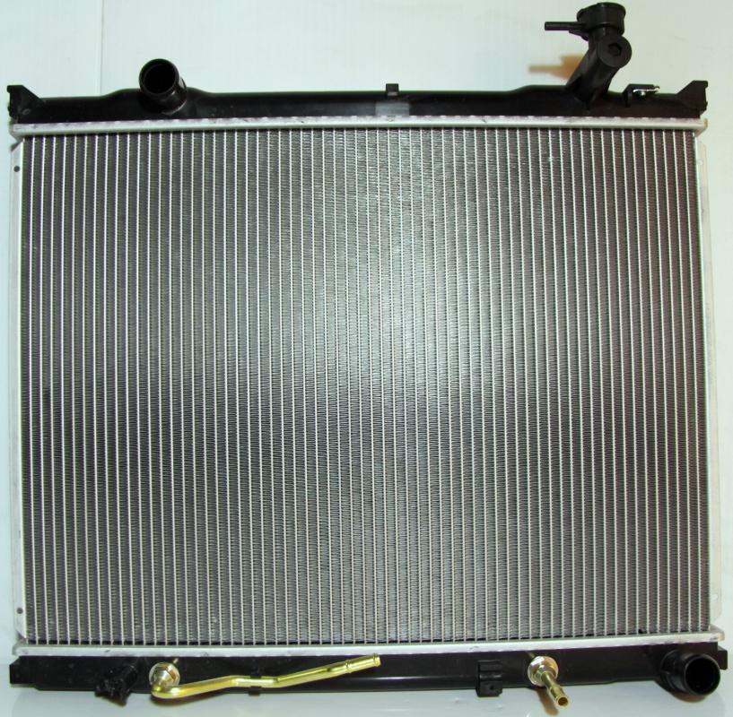 336682J Радиатор KIA SORENTO (06-) 2.5 CRDi
