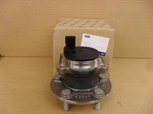 1766628 Ступица заднего колеса в сборе / FORD C-Max,Focus-II 03~