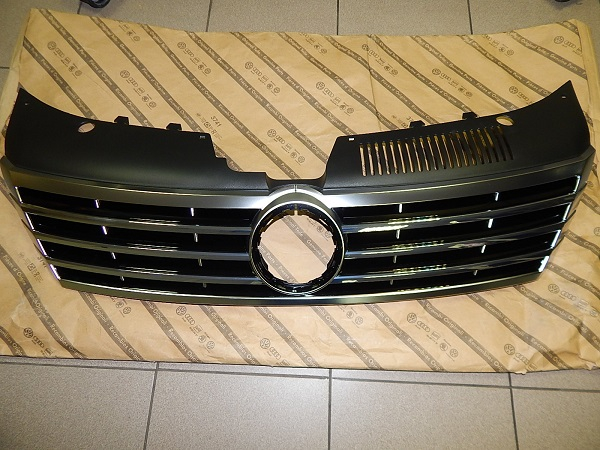 3C8853651AARYP Решетка радиатора / VW СС 12~