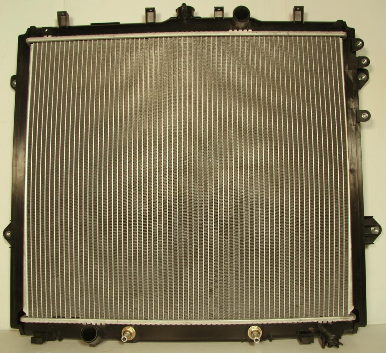 2946825r Радиатор охлаждения