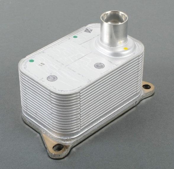 06J117021P Радиатор масляный / AUDI;SEAT;SKODA; VW 1.8/2.0 TSI,TFSI 04~