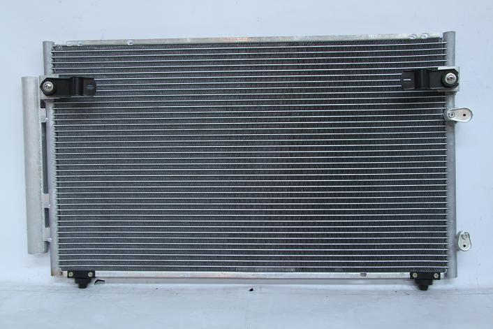 104800e Радиатор  кондиционера