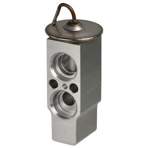 TSP0585049 Клапан расш. TO Av 97-03, RAV4 I,II