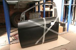 1530170 Дверь передняя левая / FORD Focus-II (Sedan) 08~