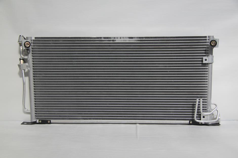 104492e Радиатор  кондиционера