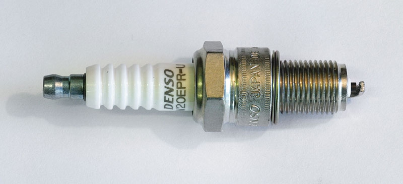 W20EPRU Свеча зажигания 3047