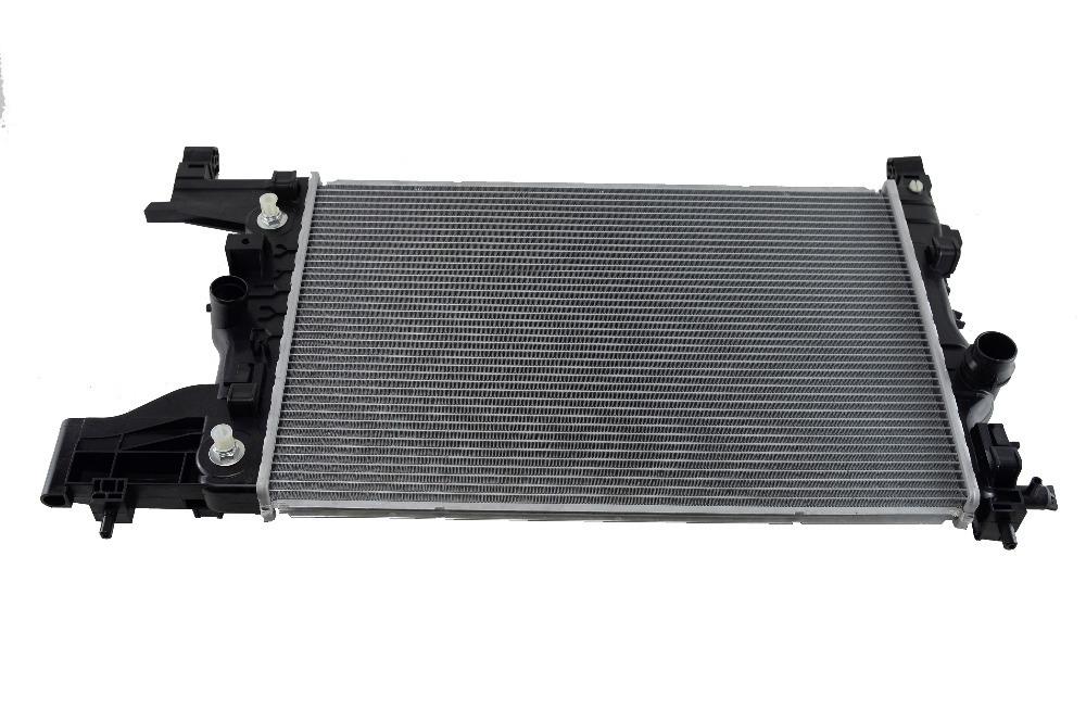13267652 Радиатор системы охлаждения двигателя
